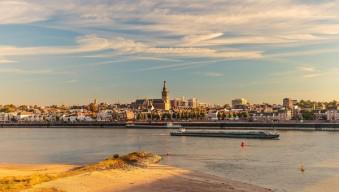 carousel_wide_1024x768_uitzicht-nijmegen-stad-waal-rivier
